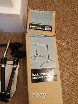 Nearly new Photography studio kit including stands, tripod, discs, lights