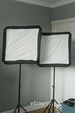 Photography studio lighting kit (3 flashes, 2 softboxes, 2 stands + more)